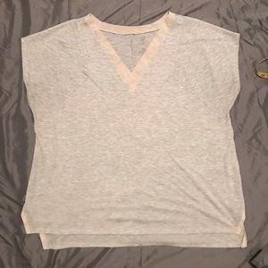 Women's Livi Active High/Low SS T-Shirt-Size 18/20